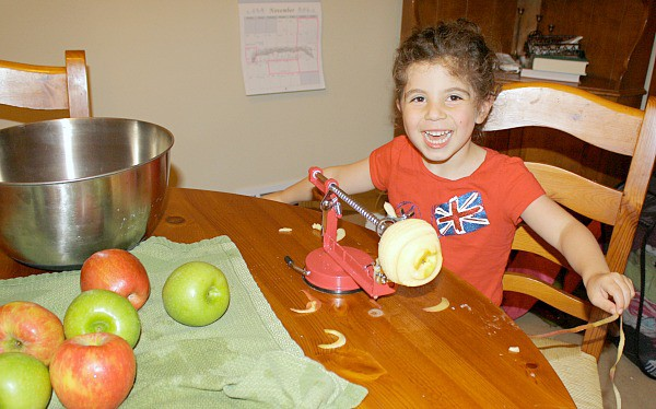 Making applesauce in the crockpot without any sugar~ Buggy and Buddy