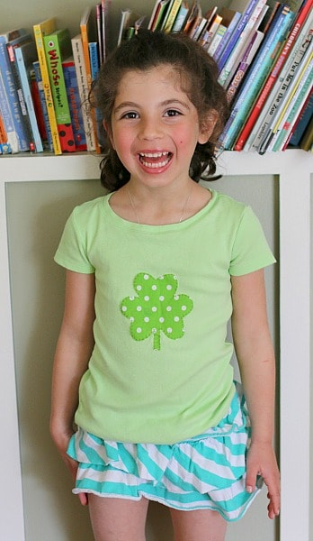 DIY Shamrock Shirt for Kids (Super Easy Tutorial!) from Buggy and Buddy