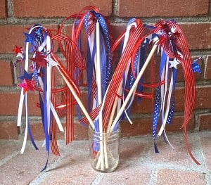 4th of July Craft for Kids: Patriotic Wand