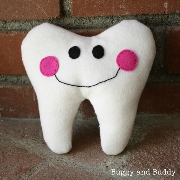 tooth fairy pillow tutorial- Buggy and Buddy