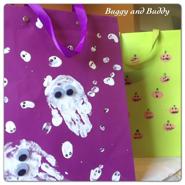 Fingerprint Halloween Treat Bags~ How Wee Learn