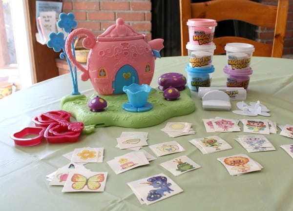 RoseArt's Magic Fun Dough Play Set