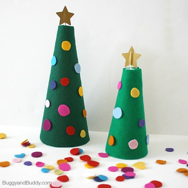 christmas activities for kids decorate the felt christmas tree buggyandbuddycom - Christmas Tree Decorations For Kids