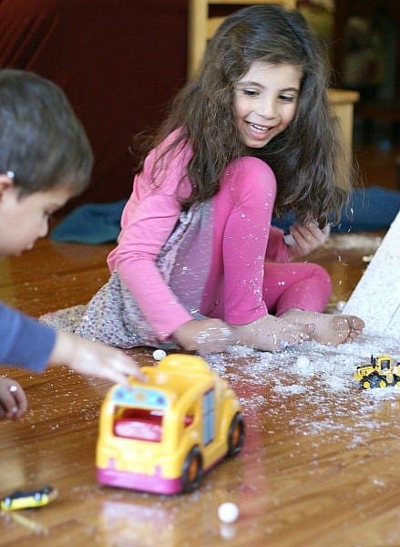 Indoor Play for Kids: Homemade Car Ramp with Pretend Snow~ Buggy and Buddy