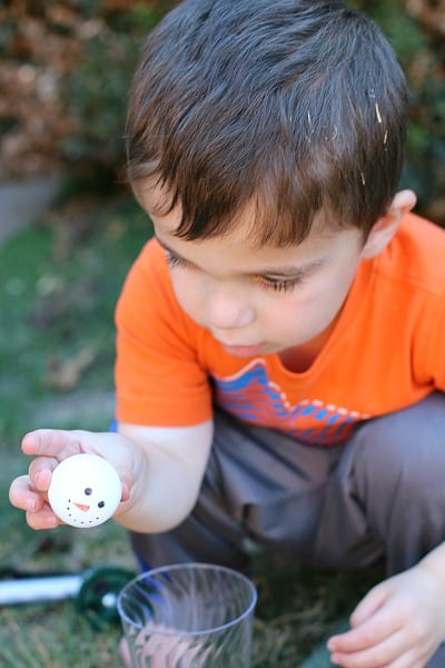 Launching Ping Pong Ball Snowmen with a Lever (Science for Kids)- Buggy and Buddy