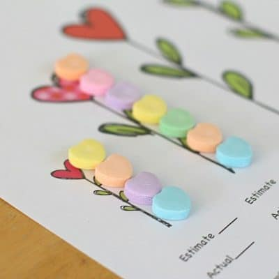 Valentine Party Ideas: Measuring with Candy Hearts (Free Printable)