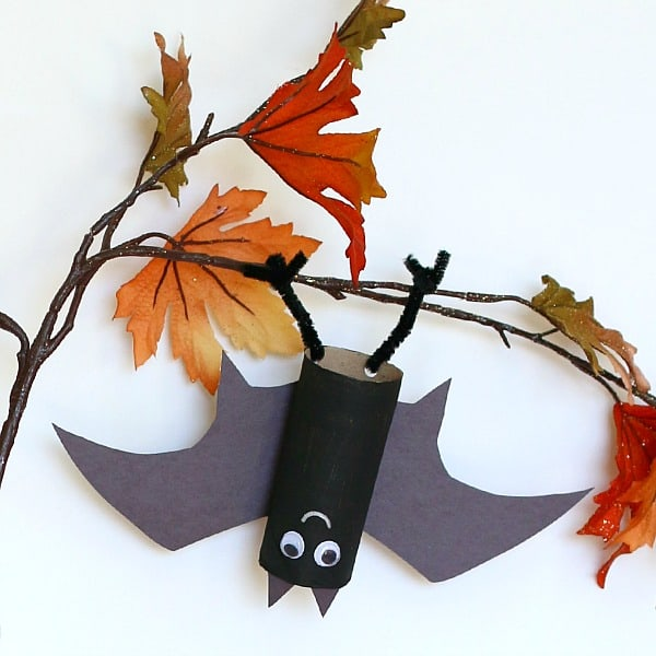 hanging bat craft for kids buggyandbuddycom - Halloween Bats Crafts