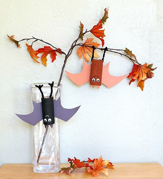Hanging Bat Craft for Kids~ BuggyandBuddy.com