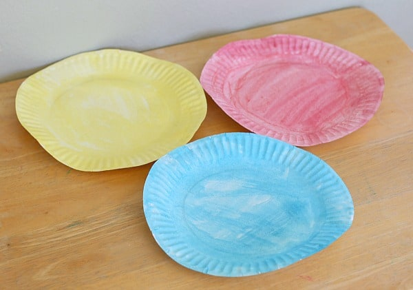 color the paper plates