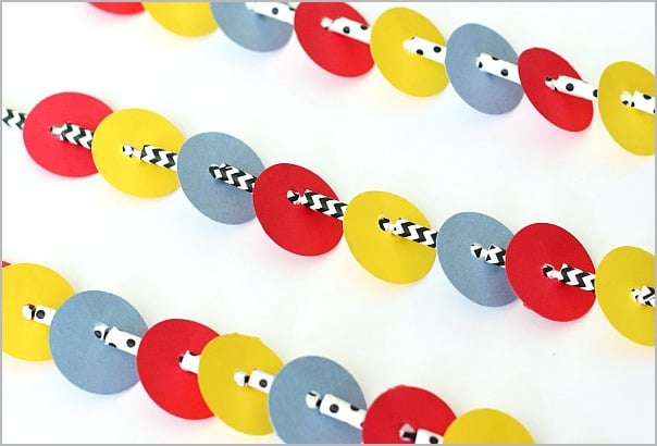 Necklace Craft for Kids Inspired by Press Here~ BuggyandBuddy.com