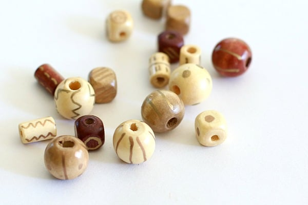 Decorating wood beads- fall craft for kids
