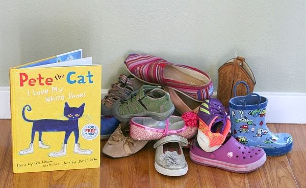 Shoe Sorting Activity Based on Pete the Cat I Love My White Shoes~ BuggyandBuddy.com
