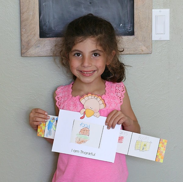 """Thanksgiving Craft for Kids: """"I Am Thankful For"""" Story Window~ BuggyandBuddy.com"""