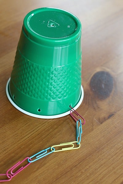 add paper clip chain to the plastic cup