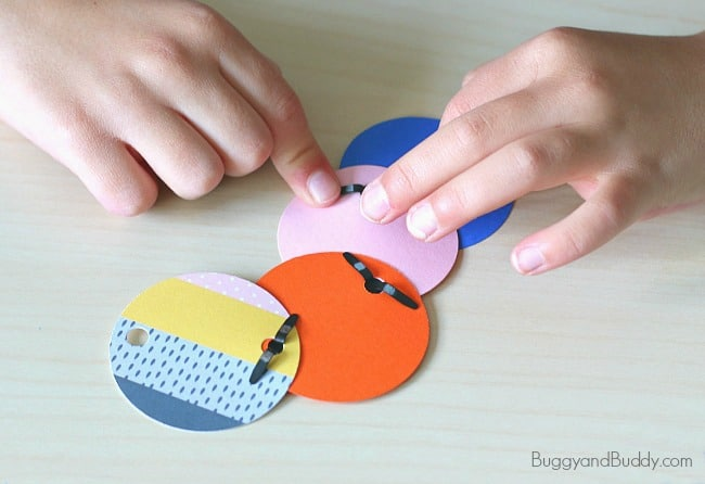 paper circle necklace craft for kids