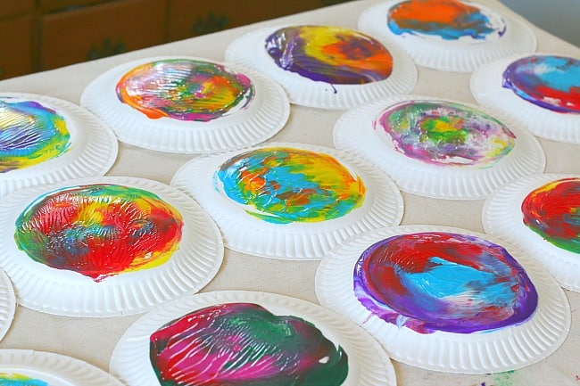 Action Art: Paper Plate Twisting