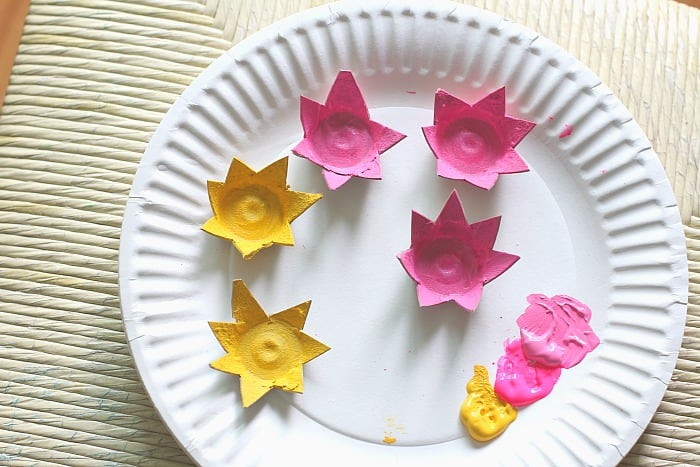 craft for kids- how to make egg carton flowers
