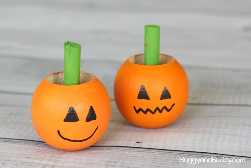 jack-'o-lantern spinning top science and craft for kids perfect for Halloween