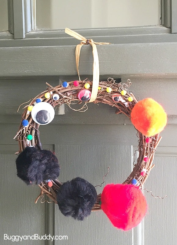 Easy Halloween Wreath Craft for Preschool and Kindergarten