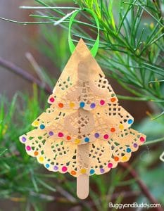 Christmas Tree Ornament Craft for Kids Using Paper Doilies