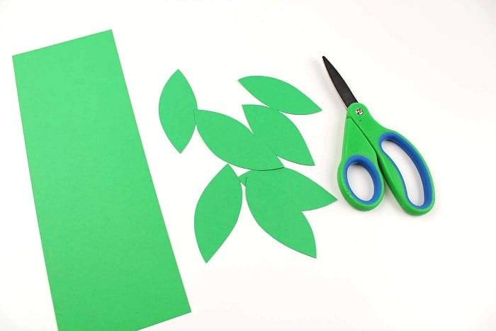 cut out green leaves for your daisy craft