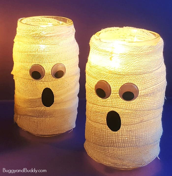 DIY Mason Jar Mummy Lantern Craft for Kids perfect for Halloween (Also can be a ghost craft)